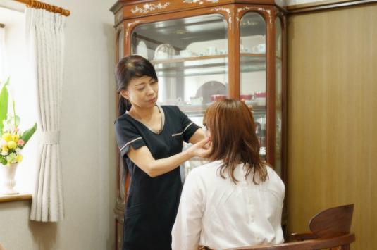 対面での受講   クリスタルビューティー 広島 天然100%ヘナ 美と健康のエステ