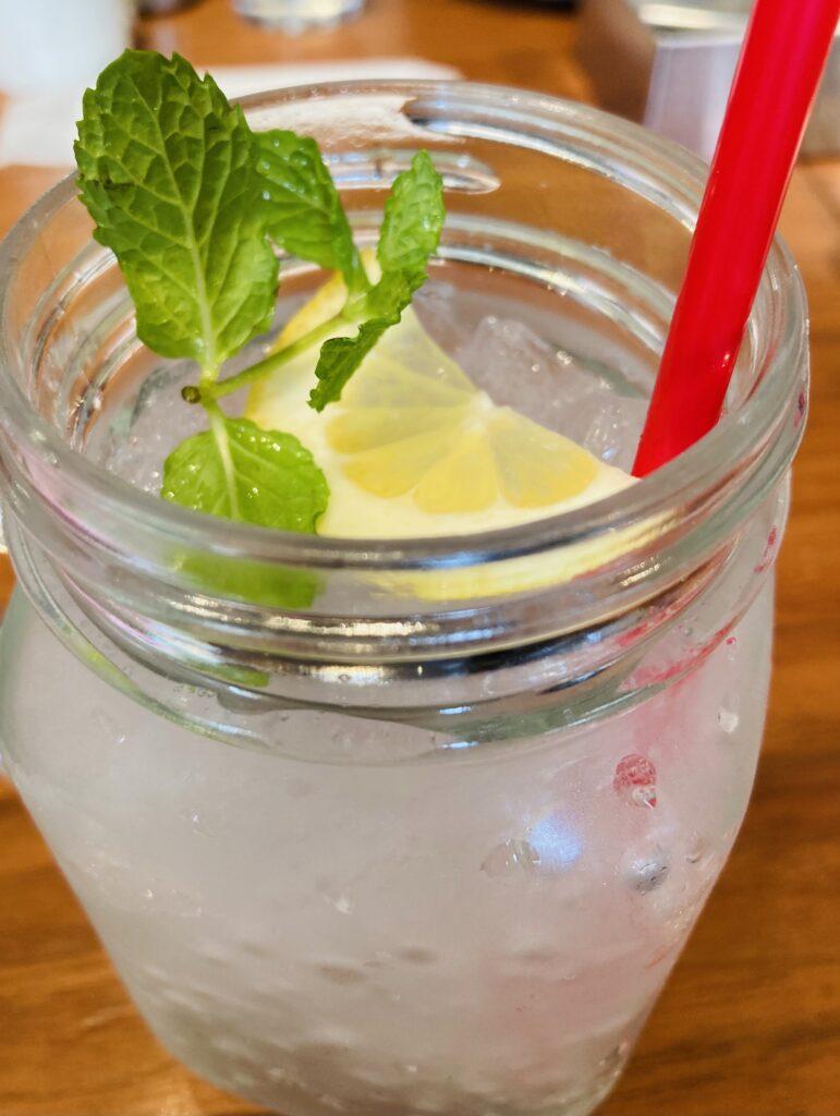 暑い日は爽やかなレモンスカッシュ | クリスタルビューティー 広島 天然100%ヘナ 美と健康のエステ